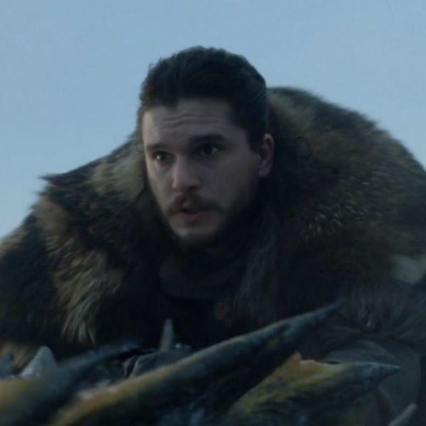 В 1-й серии 8-го сезона «Игры престолов» Джон Сноу узнал тайну своего происхождения и оседлал дракона