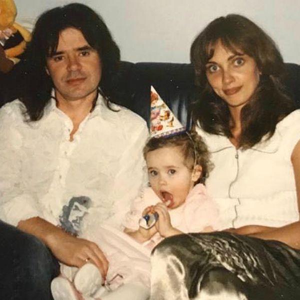 16-летняя дочь Евгения Осина обнародовала архивное фото с отцом и посвятила ему стихотворение