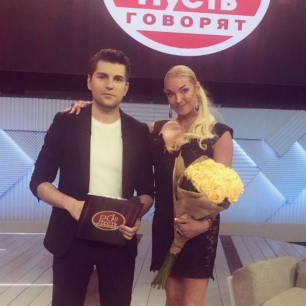 Анастасия Волочкова рассказала о «похищении отца» в ток-шоу «Пусть говорят»