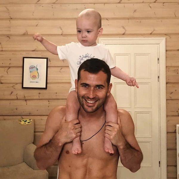 Милана Тюльпанова запрещает Александру Кержакову видеться с 2-летним сыном