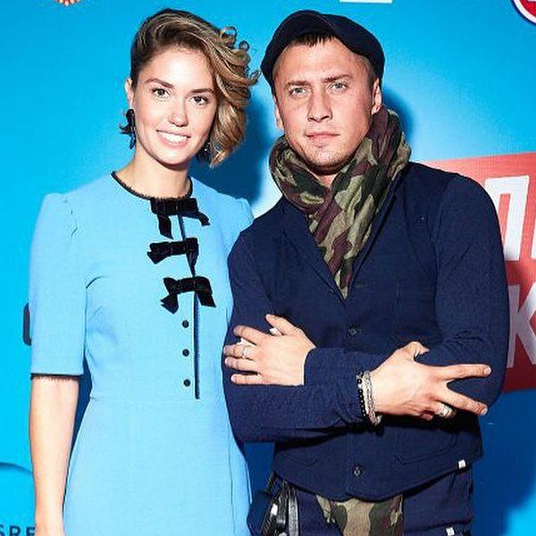 Павел Прилучный и Агата Муцениеце показали первое фото новорожденной дочки новые фото