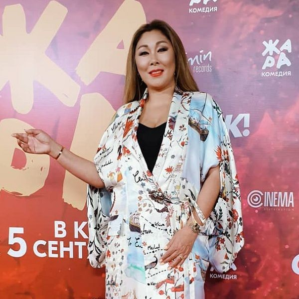 48-летняя Анита Цой отменила концерты из-за травмы на фестивале «ЖАРА»