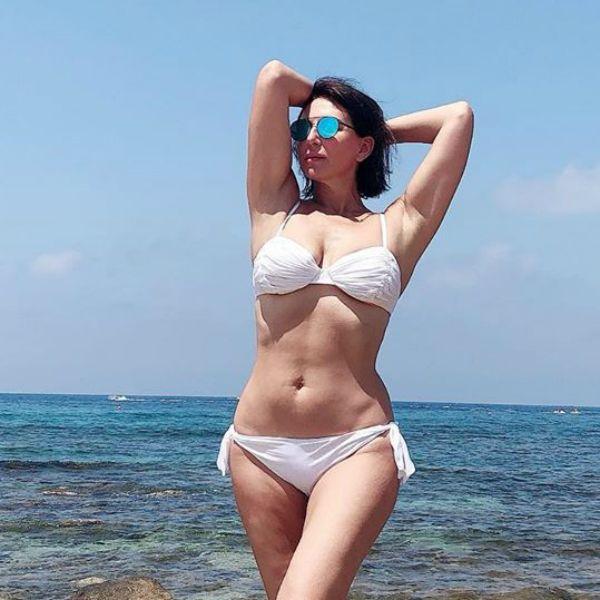 51-летняя Алика Смехова отправилась в отпуск с 19-летним сыном
