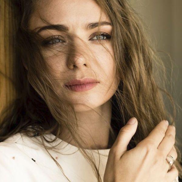 Звезда «Мажора» Карина Разумовская показала стройную фигуру спустя месяц после родов