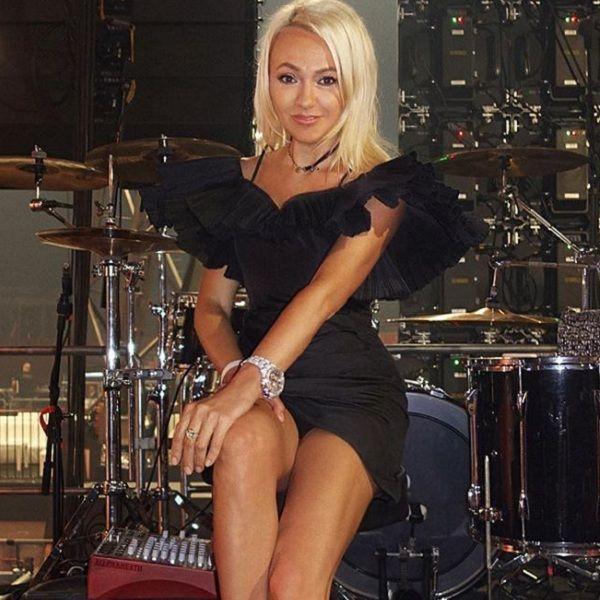 Яна Рудковская заявила о намерении застраховать свои ноги