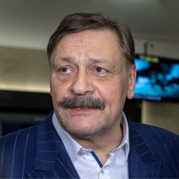 Экс-супруг матери Марии Порошиной Дмитрий Назаров проигнорировал похороны бывшей жены