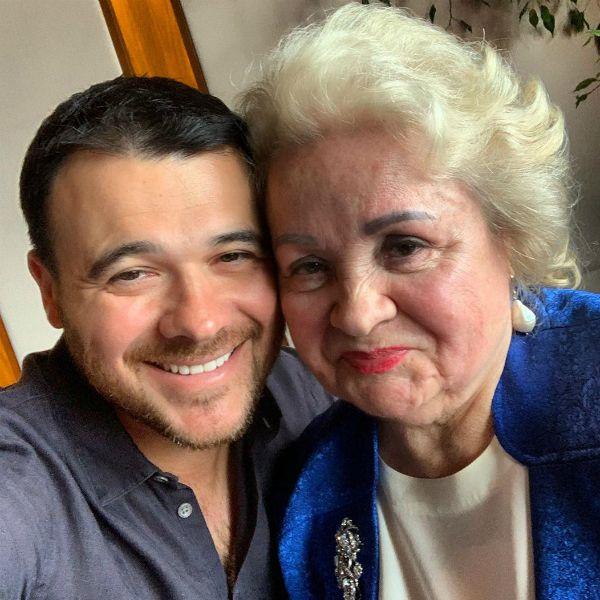 Эмин Агаларов поделился нежным фото с бабушкой