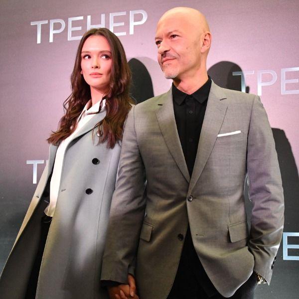 Федор Бондарчук и Паулина Андреева подарили гостям своей свадьбы похмельные мешочки