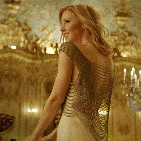 Юлианна Караулова совместно с британским певцом записала песню для фильма Disney «Аладдин»