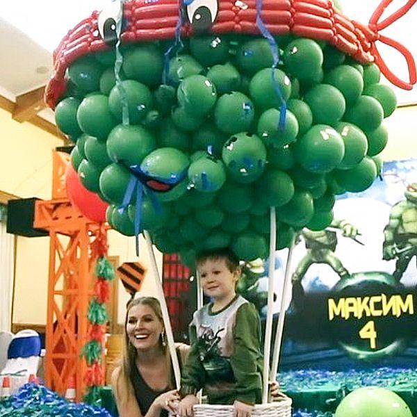 Мария Кожевникова опубликовала кадры с празднования дня рождения среднего сына