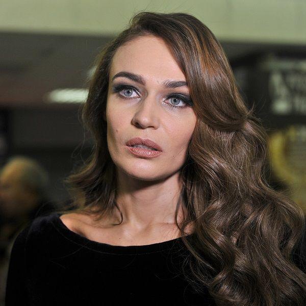 36-летняя Алена Водонаева закрутила роман с молодым бортпроводником через три месяца после расставания с мужем