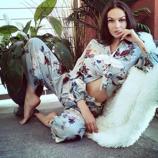 Алена Водонаева резко осудила высокие заработки сына Яны Рудковской