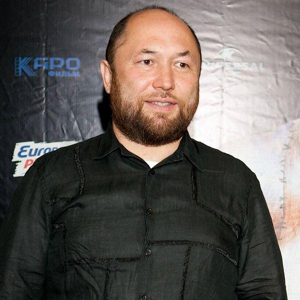 Представитель 57-летнего Тимура Бекмамбетова опроверг информацию о тяжелом заболевании режиссера
