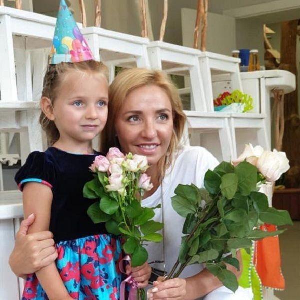 Татьяна Навка похвасталась победой 5-летней дочери в соревнованиях по фигурному катанию