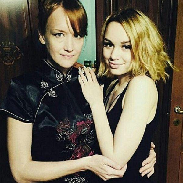 Мать Дианы Шурыгиной отправилась на отдых с молодым возлюбленным