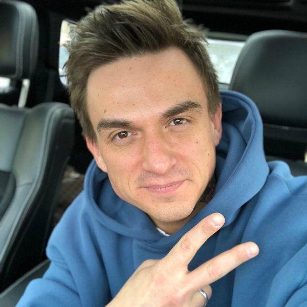 Влад Топалов похвастался, что 4-месячный сын засыпает у него на руках за несколько минут