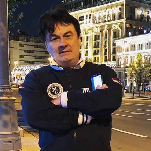 Александр Серов подал в суд на программу «Пусть говорят»