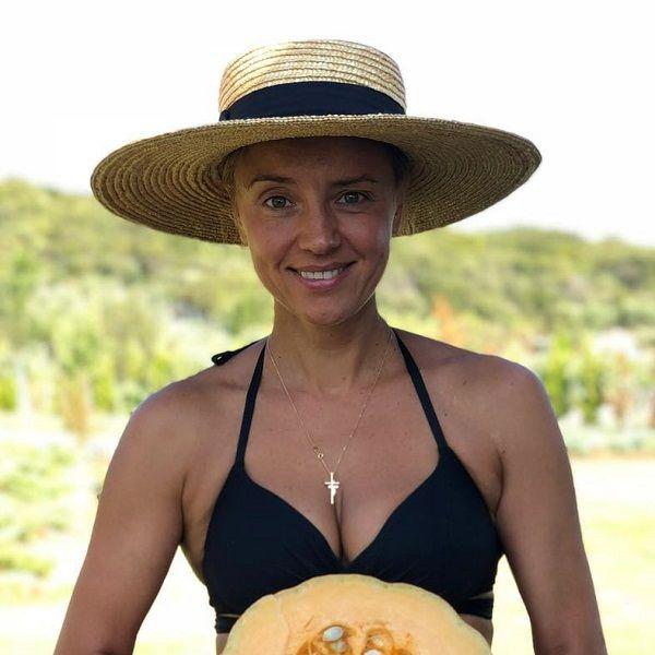 Дочь Александра Абдулова Ксения Алферова выступила в защиту природы, опубликовав фото в купальнике