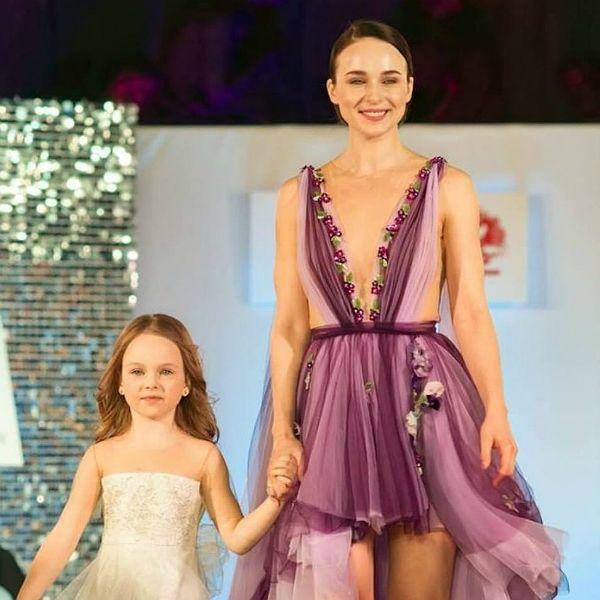 Анна Снаткина объяснила, почему шесть лет не показывала лицо дочери
