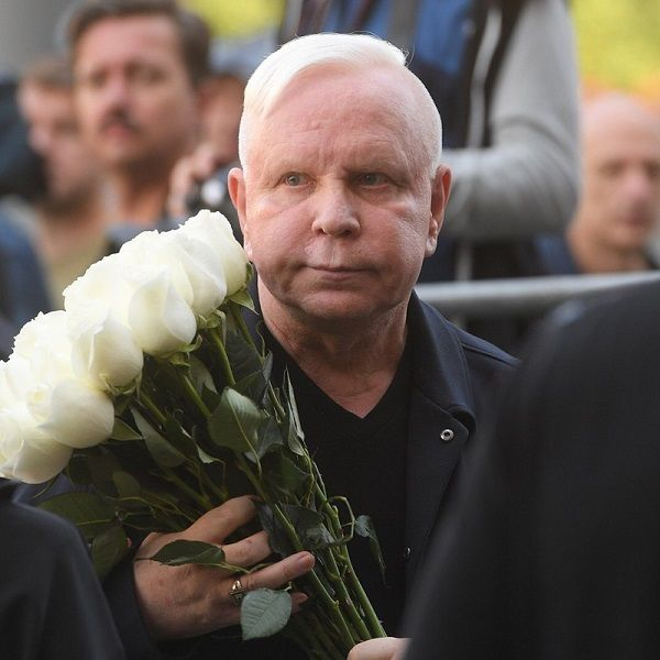 Тяжелобольной после перенесенного инсульта Борис Моисеев пришел на юбилейный концерт Аллы Пугачевой в Кремле