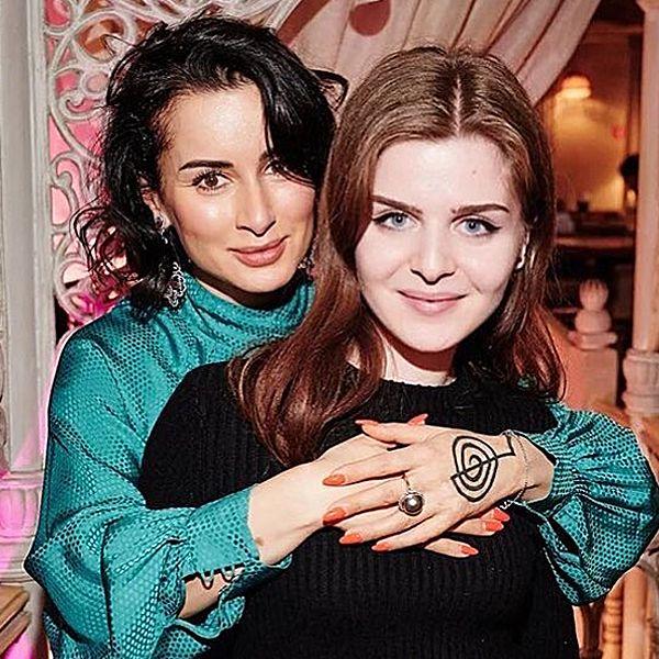 44-летняя Тина Канделаки высказалась на тему воспитания своей 20-летней дочери - Вокруг ТВ.
