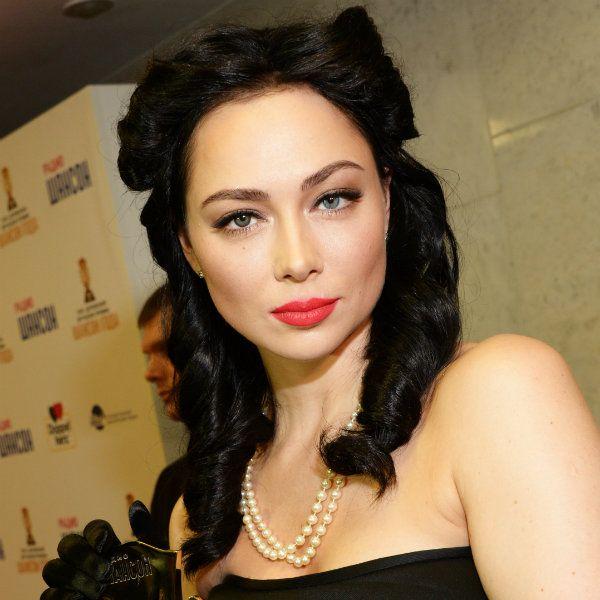32-летняя Настасья Самбурская пожаловалась на лишние килограммы