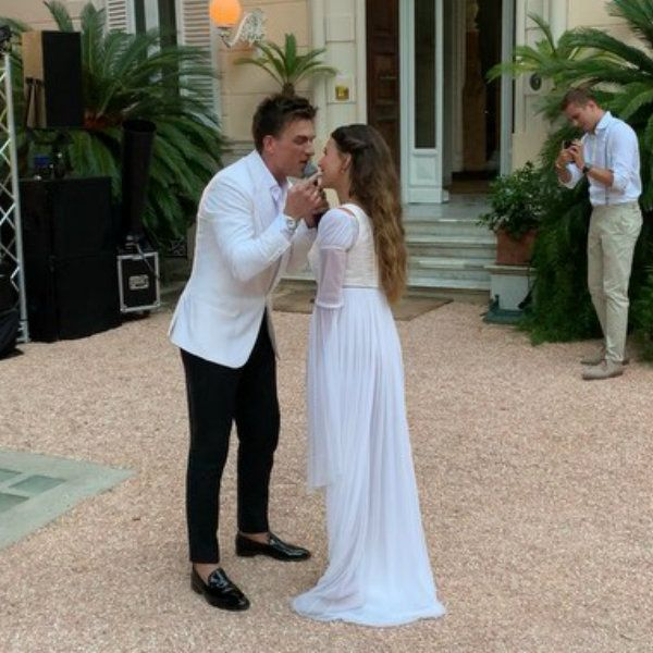 Влад Топалов показал кадры их с Региной Тодоренко свадебного танца
