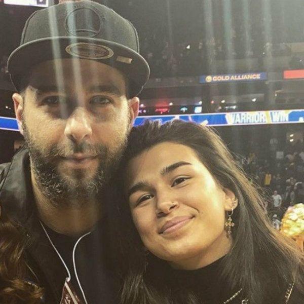 Иван Ургант трогательно поздравил дочь с 19-летием