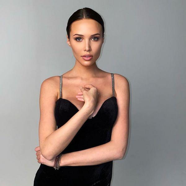 Анастасия Решетова впервые вышла в свет спустя месяц после родов
