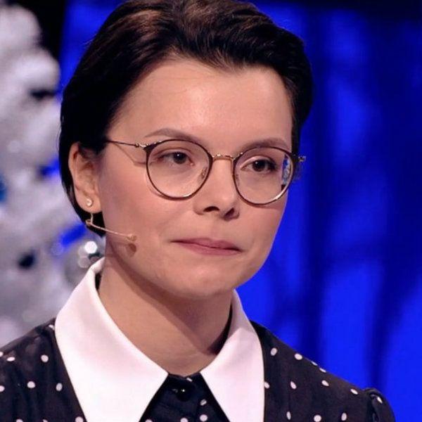 Молодая избранница Евгения Петросяна показала, как выглядела в детстве