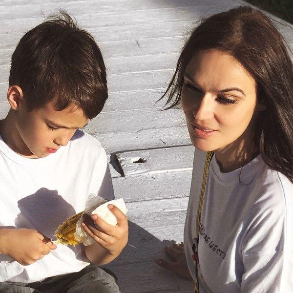 Алена Водонаева показала квартиру, в которой они с сыном будут жить в Лос-Анджелесе