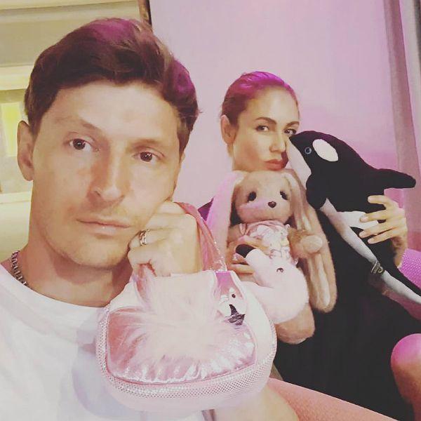 Павел Воля и Ляйсан Утяшева обнародовали дебютную песню своих детей