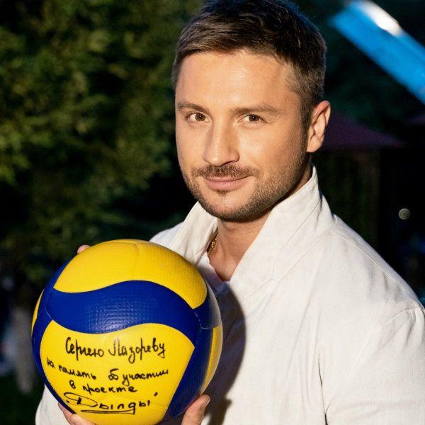 Сергей Лазарев сыграл самого себя в комедийном сериале канала СТС «Дылды»