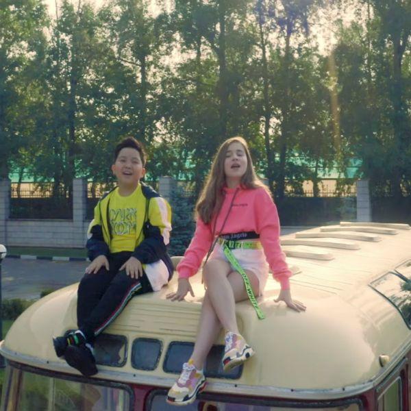 11-летняя дочь Алсу Микелла Абрамова выпустила дебютный клип «Эта любовь»