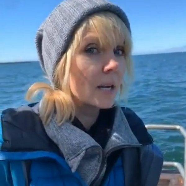 Валерия показала, как ловит рыбу у берегов Исландии