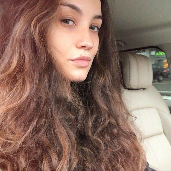 Виктория Дайнеко пожаловалась на агрессивного прохожего, помявшего ее автомобиль класса «люкс»