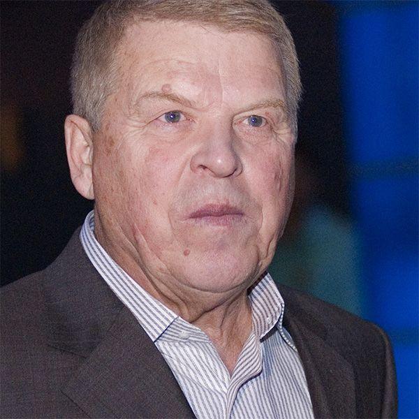 Сиделка перенесшего инсульт 83-летнего Михаила Кокшенова опровергла информацию о госпитализации актера