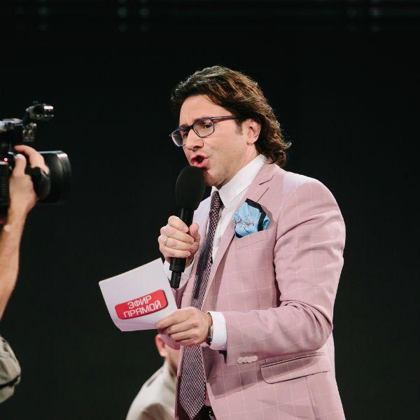 Андрей Малахов снялся в пародии на свое ток-шоу «Прямой эфир» в Comedy Woman
