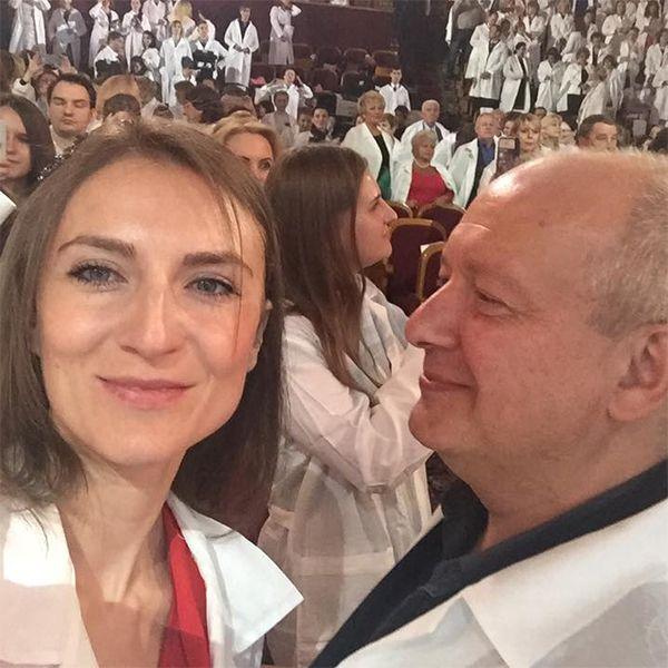 Родственники Дмитрия Марьянова требуют у вдовы актера шесть миллионов рублей