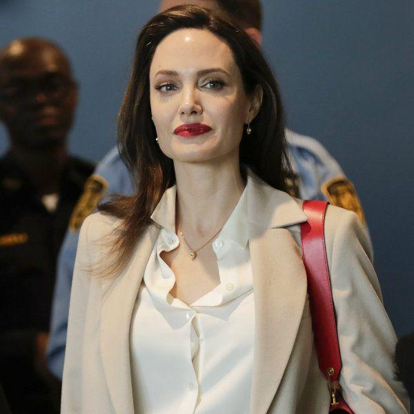 43-летняя Анджелина Джоли в очередной раз спровоцировала слухи об анорексии