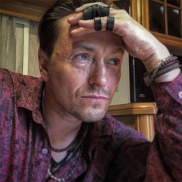Сергей Безруков рассказал о своей роли в фильме «Бендер»