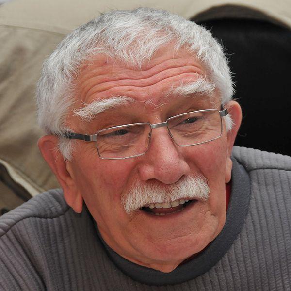 Госпитализированному 83-летнему Армену Джигарханяну проведут операцию на сердце