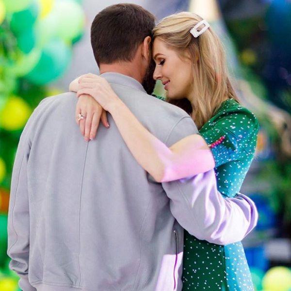 Мария Кожевникова поделилась редкими фото венчания в честь 6-й годовщины семейной жизни