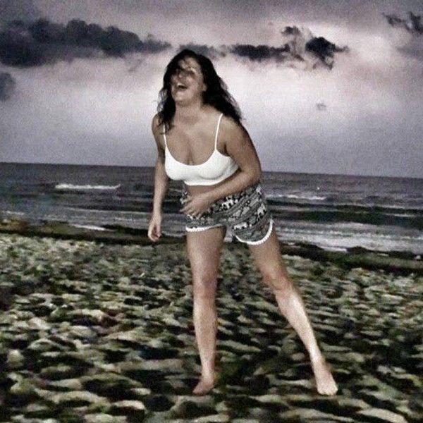 47-летняя Анна Нетребко показала фигуру, выложив фото с пляжа в Италии