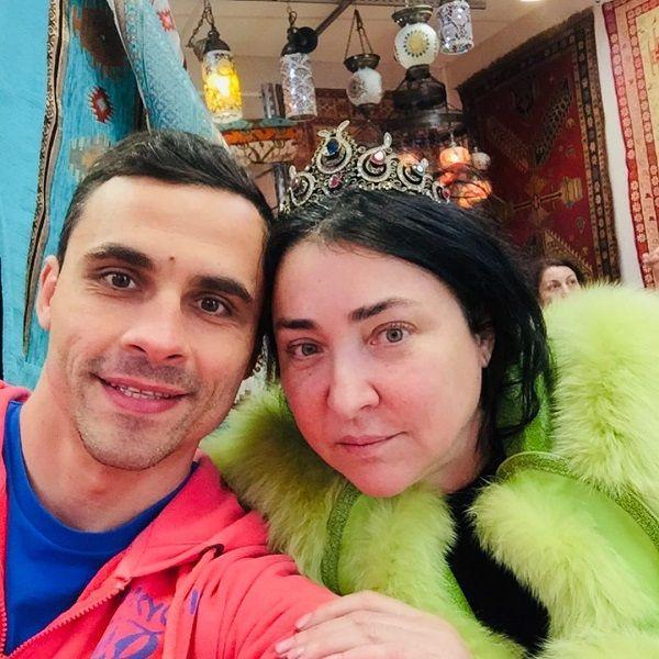 Бывший муж Лолиты Милявской пригрозил журналистам судом за публикацию недостоверной информации о его новой возлюбленной