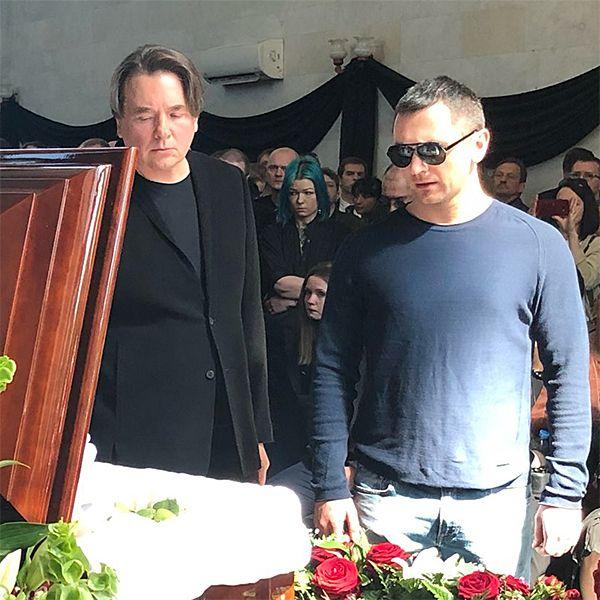 Константин Эрнст едва сдерживал слезы на прощании с Сергеем Доренко