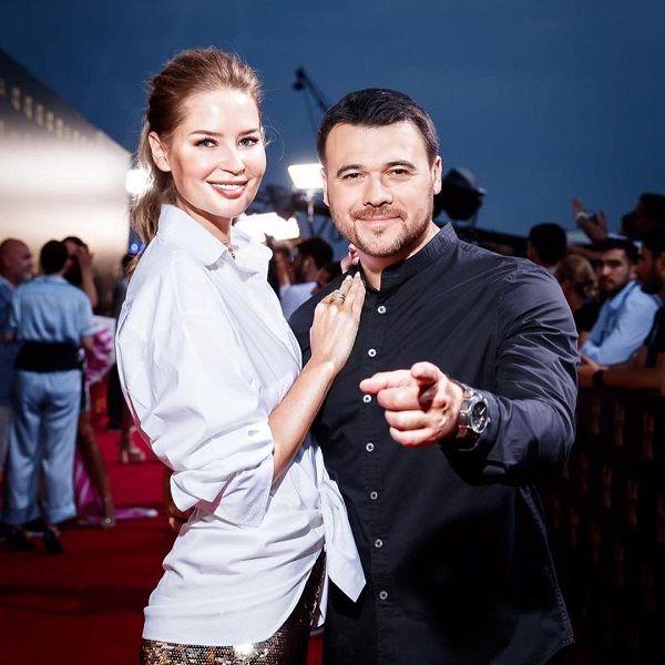 Эмин Агаларов трогательно поздравил жену с 32-летием