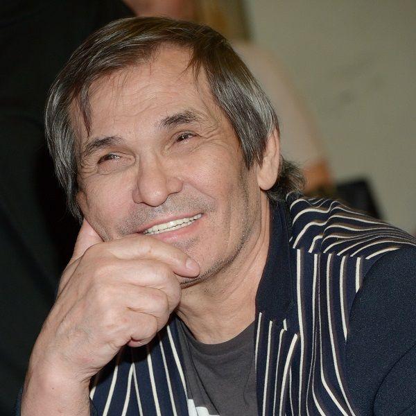 Личный врач Бари Алибасова рассказала о состоянии находящегося в реанимации артиста