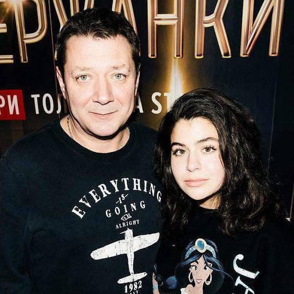Ян Цапник обрушился с критикой на мастеров, которые не приняли в театральный его дочь
