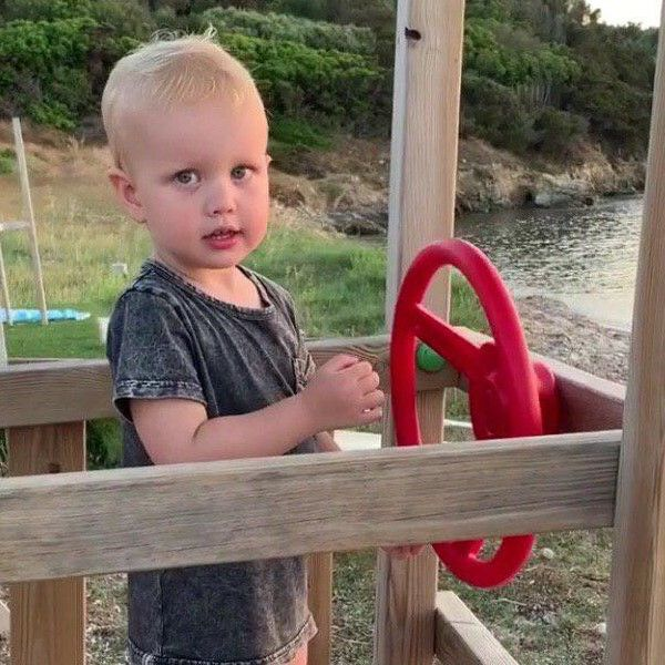 Ксения Собчак опубликовала видео с подросшим сыном во всей красе